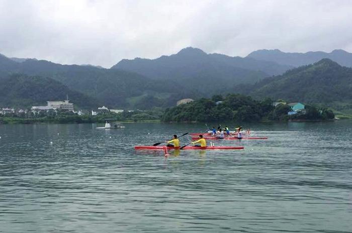 嵊州体校皮划赛艇队在绍兴市锦标赛上获佳绩