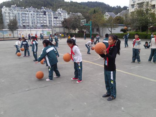 省《体坛报》优秀通讯员公益培训活动在龙泉绿谷教育集团举行