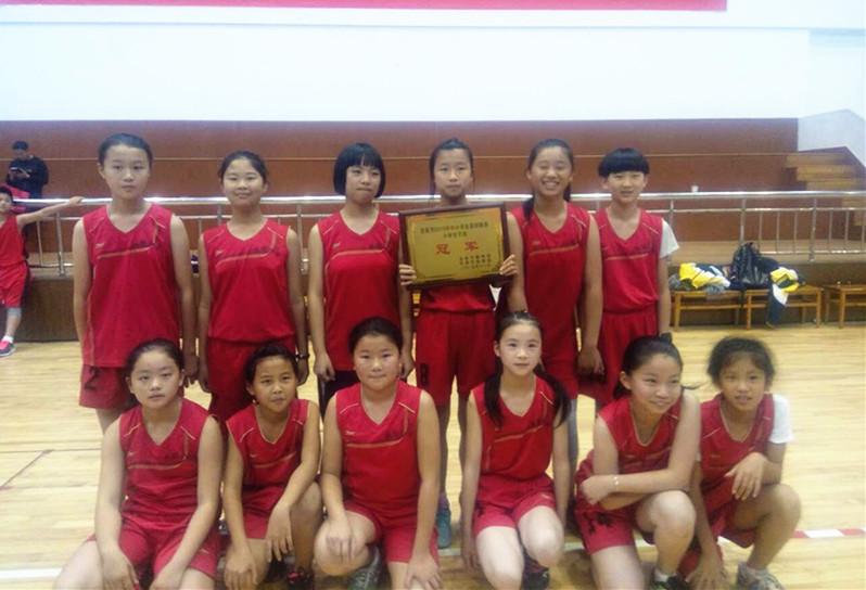 2015年龙泉市小学生篮球赛谢幕