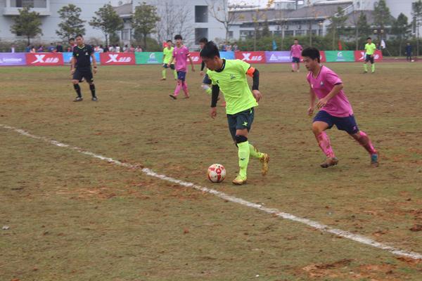 特步杯第七届ZSFL足球联赛高中男子超级组开赛