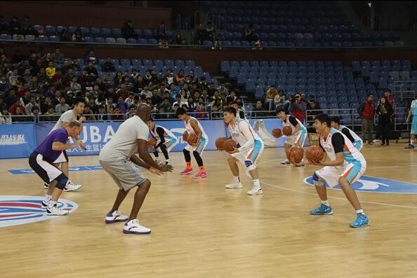 NBA球星走进浙大,与高水平男篮精彩互动