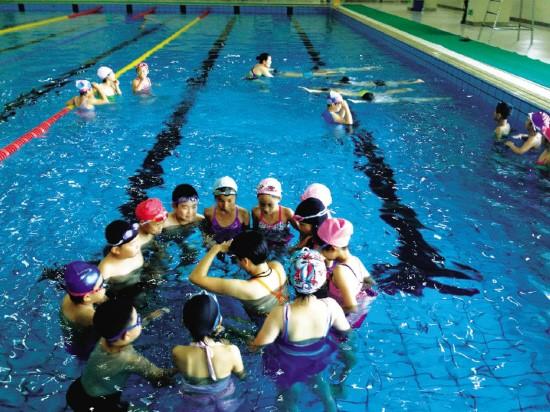 绍兴市教育局普及开展游泳活动