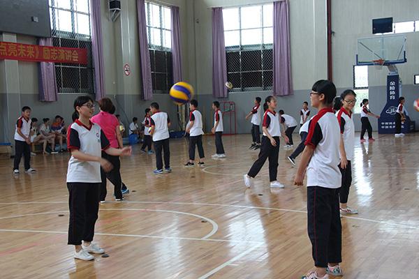 2015浙派名师名校长培养工程初中体育学科送教下乡活动到龙泉市