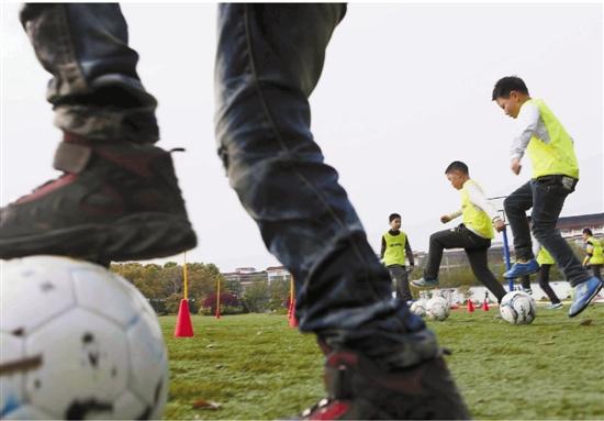 """钱江晚报:首开先河的中国足球""""种子计划"""""""