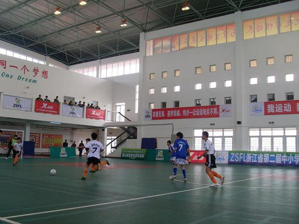 紧张的拉锯战——姜山镇实验中学足球队对阵宁波明楼中学足球队