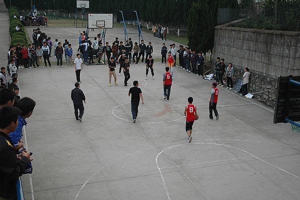 万班千校:舟山职校篮球赛如火如荼