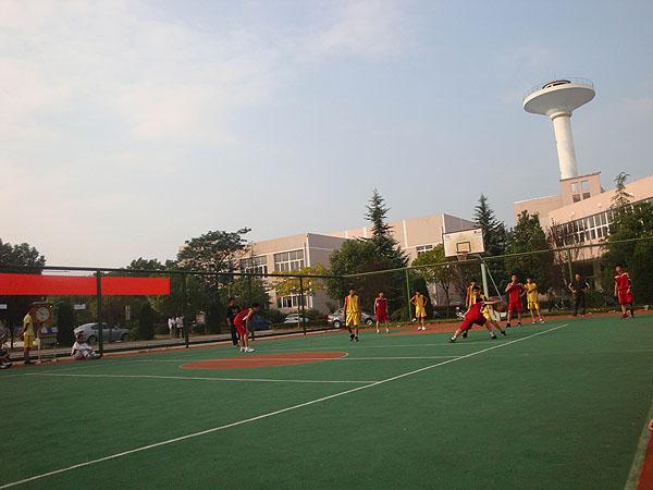 德清千秋外国语学校班级篮球赛喜讯