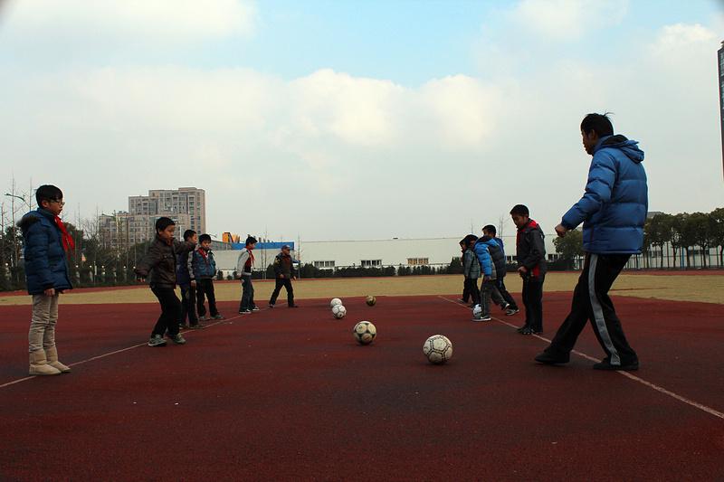 湖师附小教育集团:足球,生活有你更精彩!
