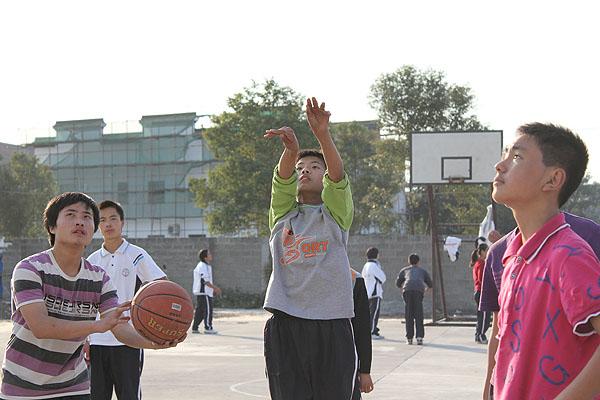 八里店二中第五届篮球联赛落幕