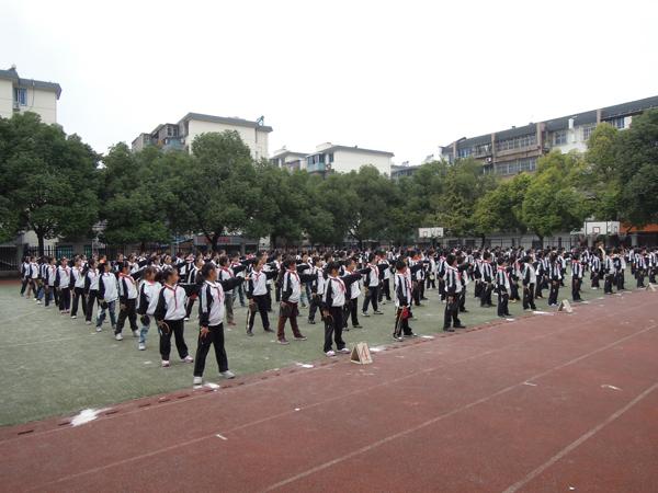 湖州东风小学校际乒乓球联赛开赛