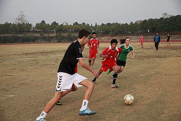 湖州中学举行中德学生足球友谊赛