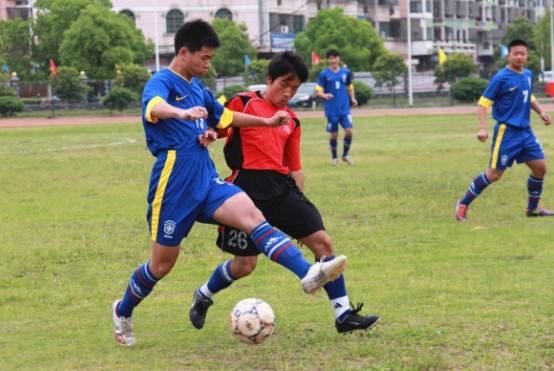 2013年绍兴市青少年足球锦标赛在嵊州市火热举行